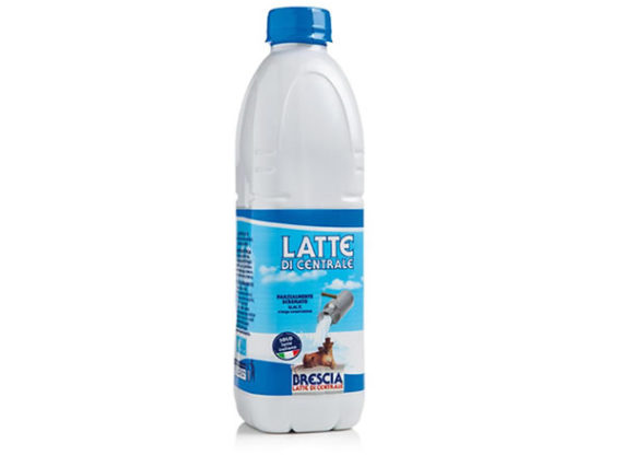 Latte parzialmente scremato centrale del latte di brescia